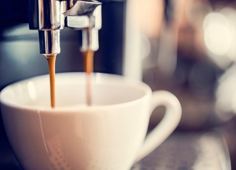 Kawa coraz częściej z lodziarni